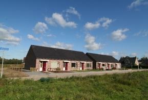 6 geschakelde woningen te Saasveld