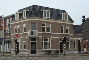 Winkelpand met bovenwoning te Enschede